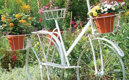 Вашиот стар велосипед како декоративна жардиниера