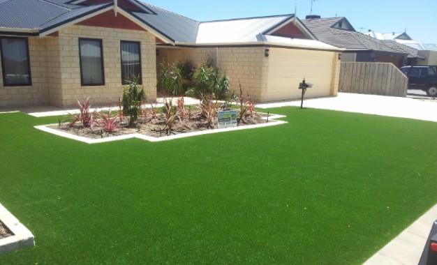 Вештачка трева, да или не?