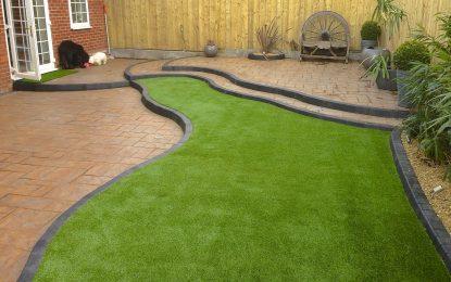 Како се поставува вештачка трева?