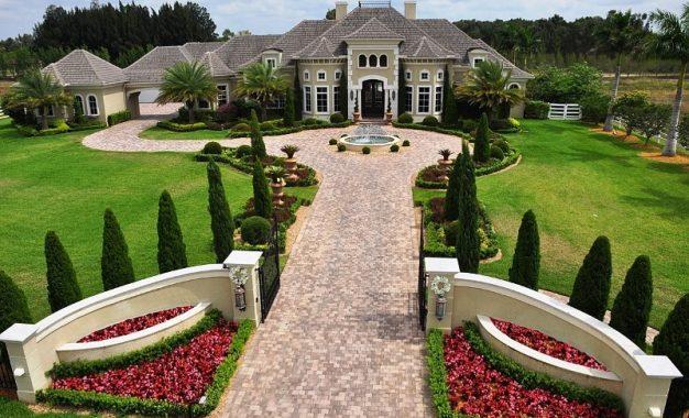 Новиот дом на Двејн Џонсон на Флорида